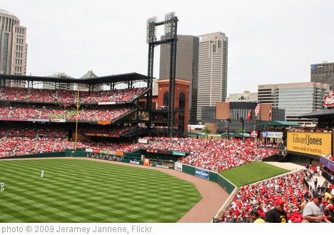 'Busch Stadium Outfield' photo (c) 2009, Jeramey Jannene - license: https://creativecommons.org/licenses/by/2.0/