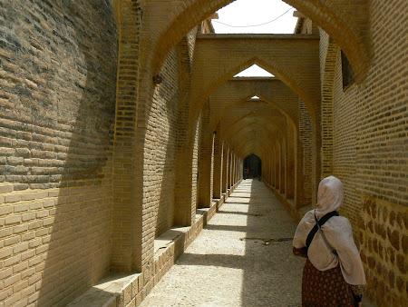 Shiraz: on the way to the bazaar