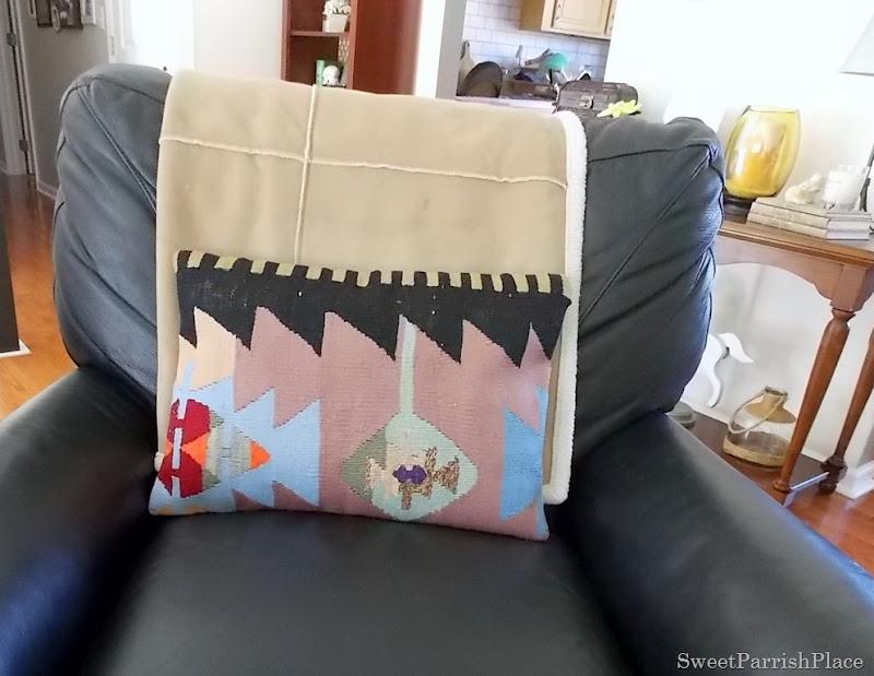 kilim pillow1