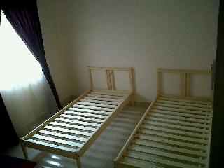 Single Bed : 93cm X 191cm