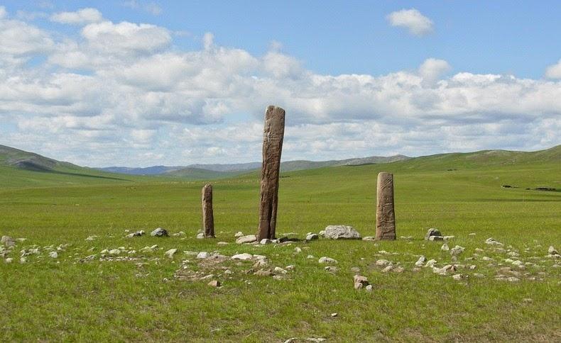 deer-stones-1