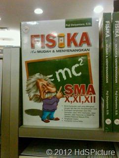 cover buku Fisika itu Mudah dan Menyenangkan