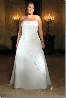 vestidos de novias gorditas strapless elegante y sencillo diseño 2012