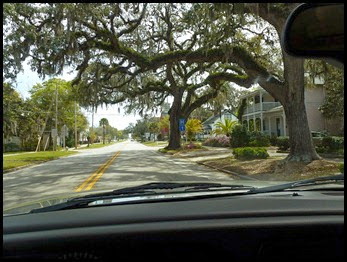 00a - Fort Clinch SP - driving through Fernandina Beach to park entrance