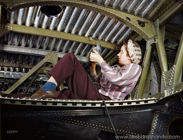 world-war-ii-women-at-work-in-color-mulheres-trabalhando-segunda-guerra-mundial-ww2 (14)