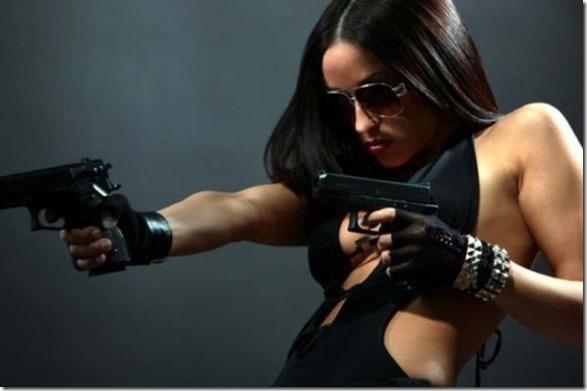 hot-women-guns-42