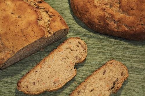 spelt-rye-carrot-bread_305