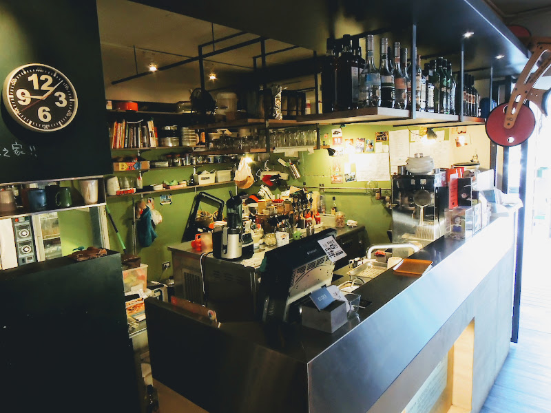 學校咖啡館 EcoleCafe' 吧檯.jpg