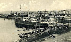 El vapor COLON en Tarragona. Postal.Probablemente en los inicios de la Gran Guerra..JPG