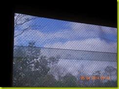 Ventilasi kaca dengan kawat nyamuk