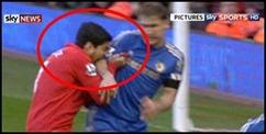 El Mordisco de Luis Suarez a Ivanovic  en partido Liverpool vs Chelsea