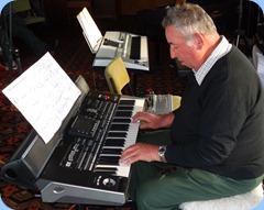 Ken Mahy playing Gordon Sutherland's Korg Pa3X