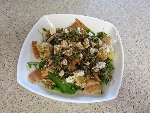 greek pita salad 046