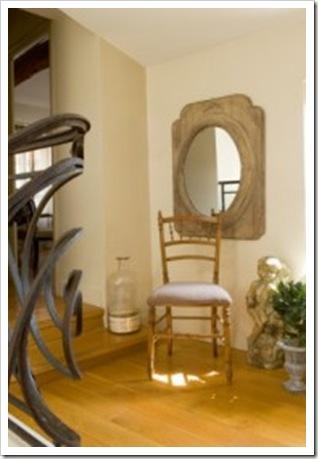 Chaise-et-miroir_carrousel_gallery