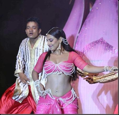 Vidya-Balans-dance-performance-pics-5