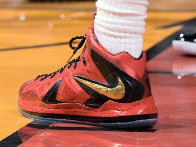 lebron james nba 140610 mia vs sas 02 game 3 Closer Look at James Nike LeBron X P.S. Elite Finals PE in Game 3