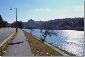 Fort Lee marker in Charleston, West Virginia along Kanawha River (Click any photo to enlarge)