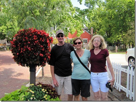 KEVIN,RUTH&DONNA09-13-11a
