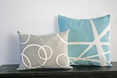 spraypainted diy pillows[4]