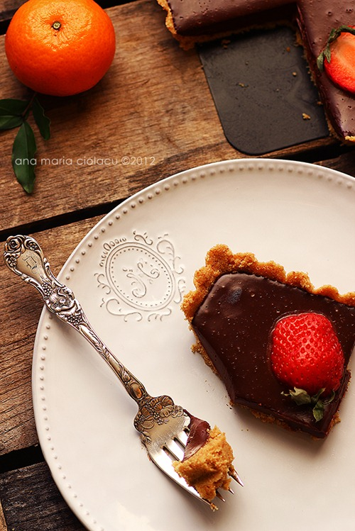 No-bake chocolate strawberry tart 4