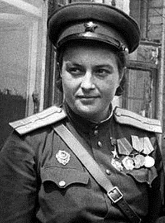 Lyudmila-Pavlichenko-Best-Female-Sniper