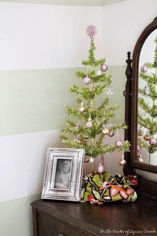 green tinsel tree