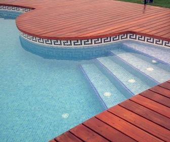 Revestimiento-en-piscinas-azulejos-mosaicos