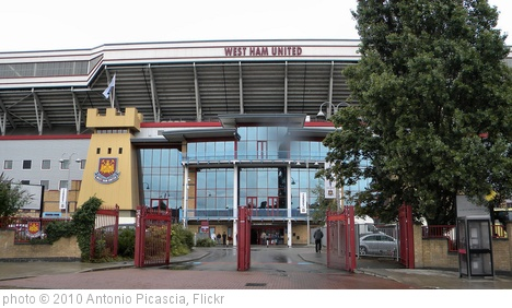 'Boleyn Ground Stadium, Upton Park, London' photo (c) 2010, Antonio Picascia - license: http://creativecommons.org/licenses/by-sa/2.0/