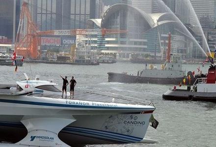 diseño-de-hong-kong-barco-con-energía-solar