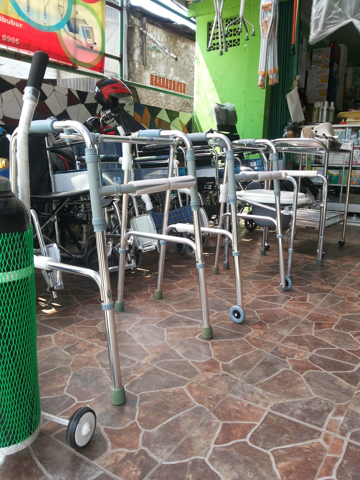 Alat Bantu Berjalan Walker Standart Dan Roda Cibubur Toko Tongkat Aneka Kursi Rodatongkat