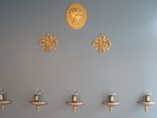 Another view of the gorgeous gold medallions on the wall.