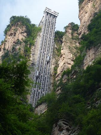 Imagini Zhangjiajie - Avatar: liftul lipit de stanca