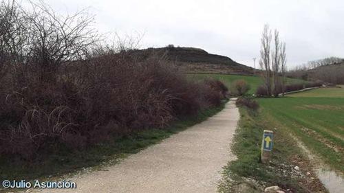 El Camino de Santiago a su paso junto al castro de Santitxusti - Galar