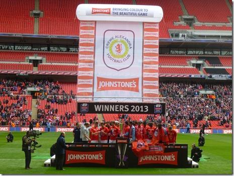 Johnstone's Paint Trophy Final (Sun 7-4-13) - Champions (1)