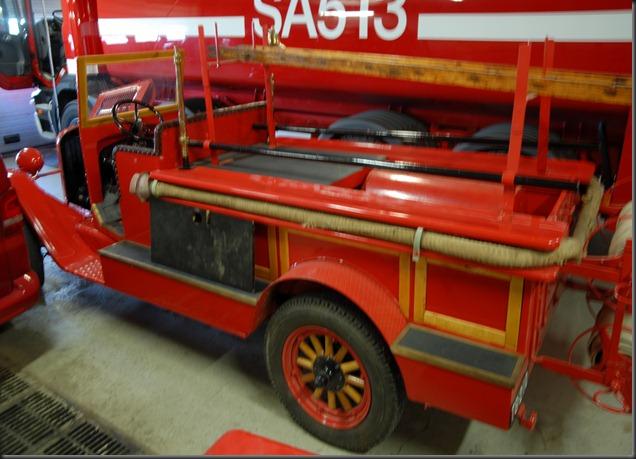 mikkihiiri palo-auto 030