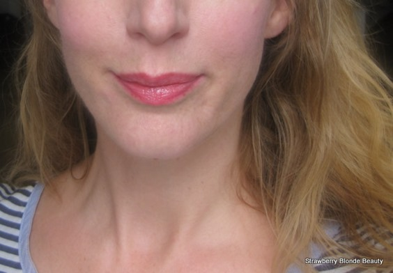 Red-Vaseline-on-lips-natural-red-lip