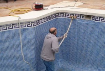 limpieza-de-piscina