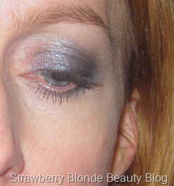 Grey-smoky-eye-Green-People-eyeshadow (3)