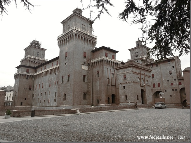 Veduta del Catello ( effetto sbiadito ), Ferrara, Emilia Romagna, Italia - View of the Castle ( faded effect ), Ferrara, Emilia Romagna, Italy - Property and Copyright of www.fedetails.net