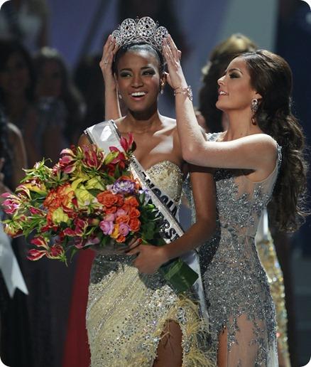 Miss Universo 'Leila Lopes' Pede 50Mil Dólares Para Desfilar No Carnaval Brasileiro