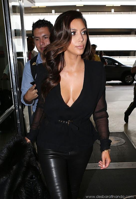 kim-kardashian-linda-sensual-sexy-sedutora-boob-peitos-decote-ass-bunda-gostosa-desbaratinando-sexta-proibida (68)