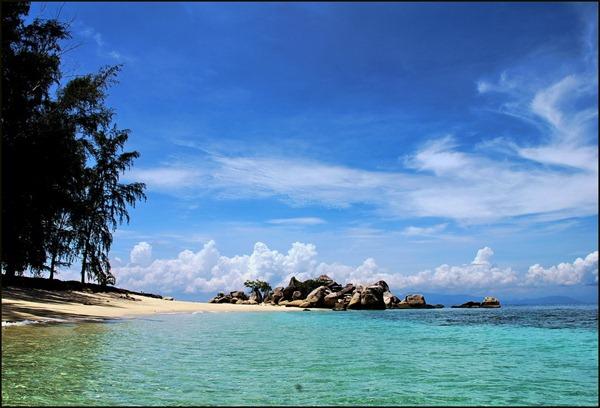 صور جزر برهنتيان