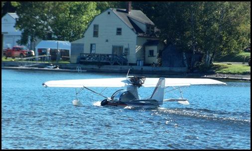 Seaplane fly in 071