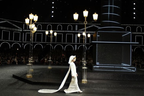 Fall 11 Couture - Chanel 6