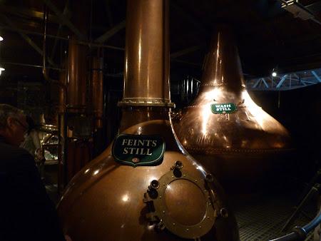 Imagini Irlanda: vechi cazane de distilare