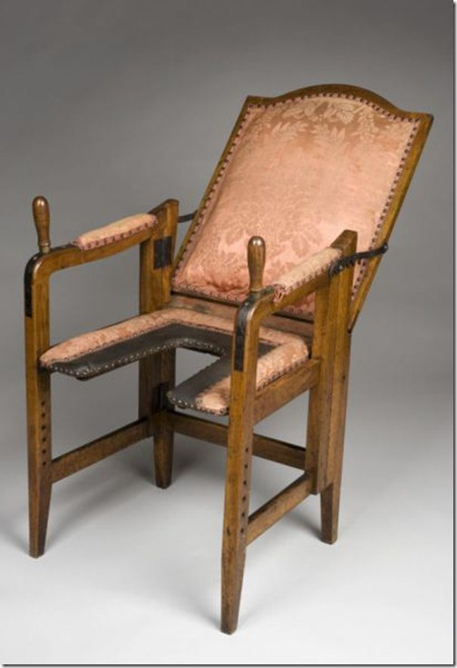 ancient_birthing_chairs_helped_women_during_childbirth_640_04
