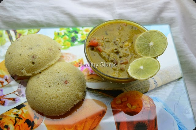Power Breakfast - Idlis and Sprouts Sagu