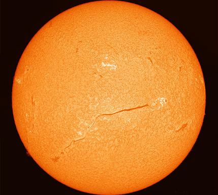filamento longo sobre o Sol