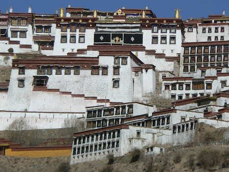 Tibet travel: visit Ganden