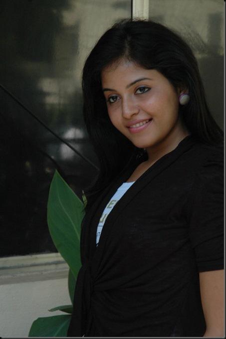Anjali at Engeyum Eppothum Premiere Show stills _15_